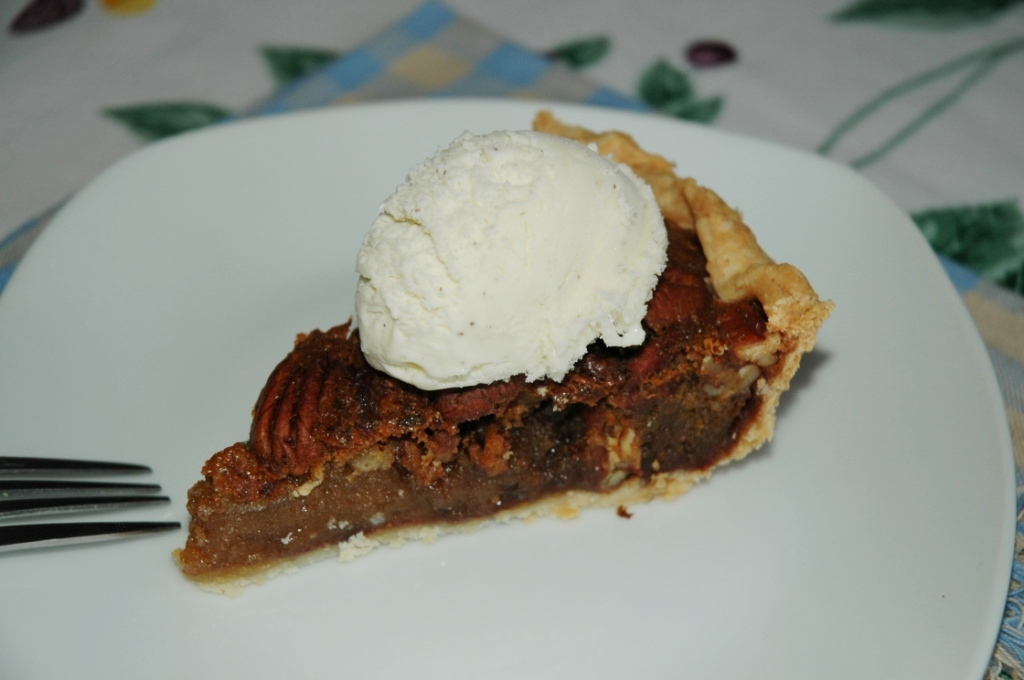 Chocolate Bourbon Pecan Pie #12WksXmasTreats #ChocolateParty ...