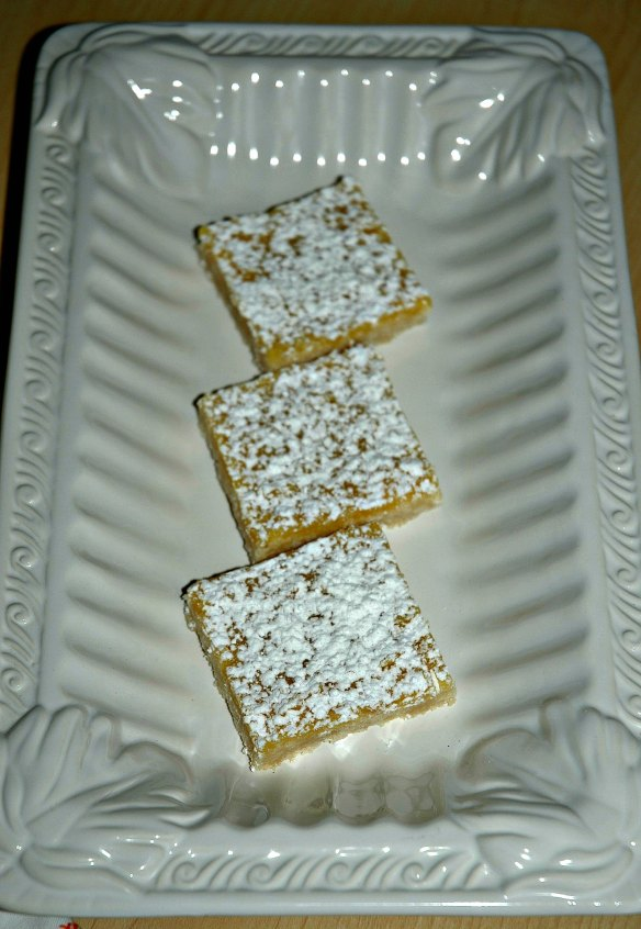 Meyer Lemon Curd Bars | Bakewell Junction - sweet and tart deliciousness.